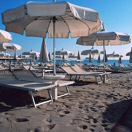 Offerte apollo family beach hotel a milano marittima in - Bagno holiday milano marittima ...