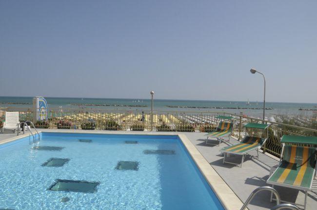 Offerte hotel delfino a senigallia in marche - Hotel con piscina senigallia ...