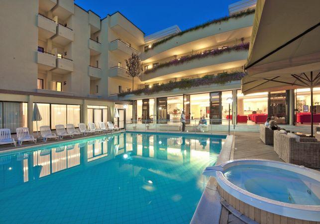 Offerte park hotel kursaal a misano adriatico in emilia - Hotel misano adriatico con piscina ...