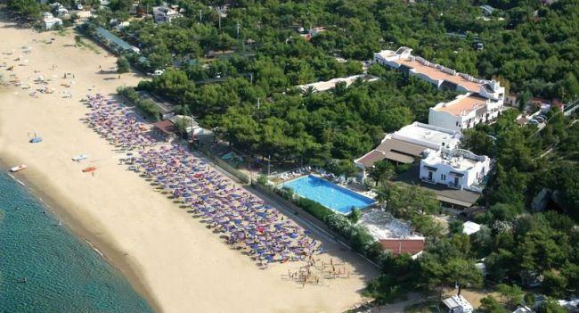 Offerte villaggio hotel gabbiano beach a vieste in puglia for Piscinas merino