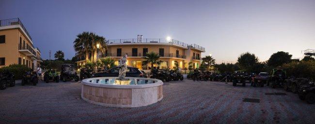Royals Gate Hotel